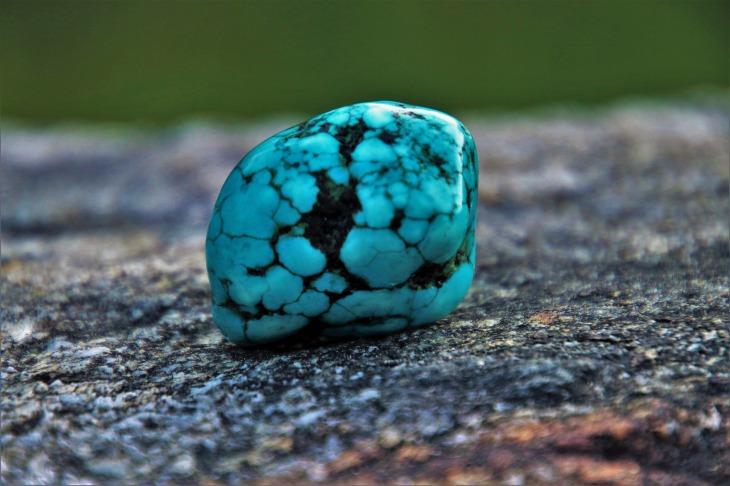 turquoise-3388145_1920